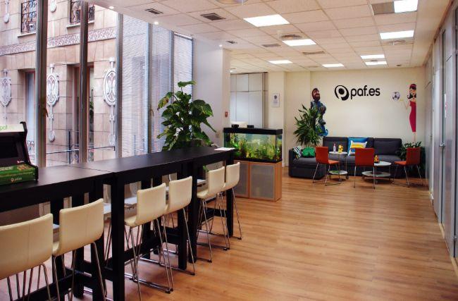 Abre su primera oficina de atenci n al cliente en for Oficina de empleo azca madrid